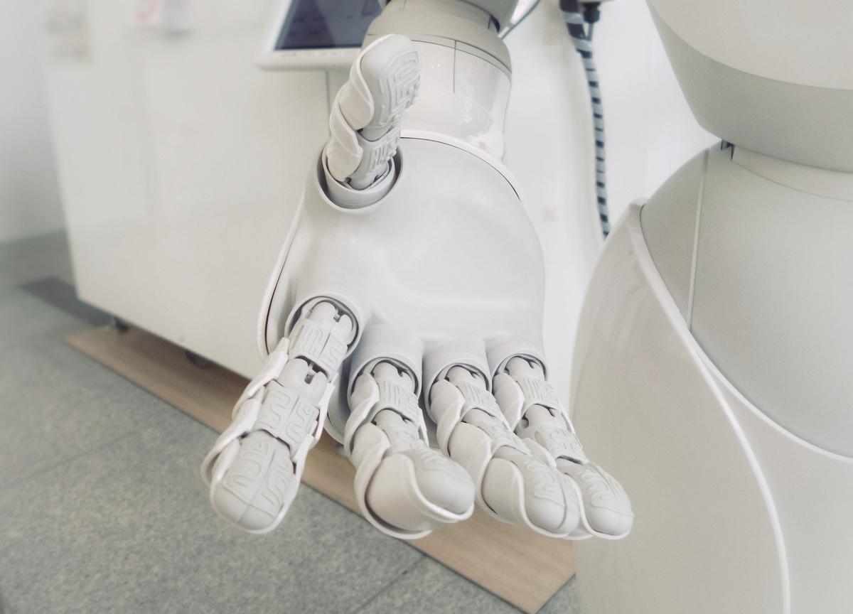 AI_hand