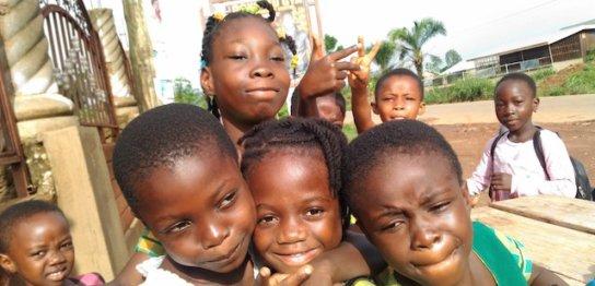 ガーナ人は写真が大好き