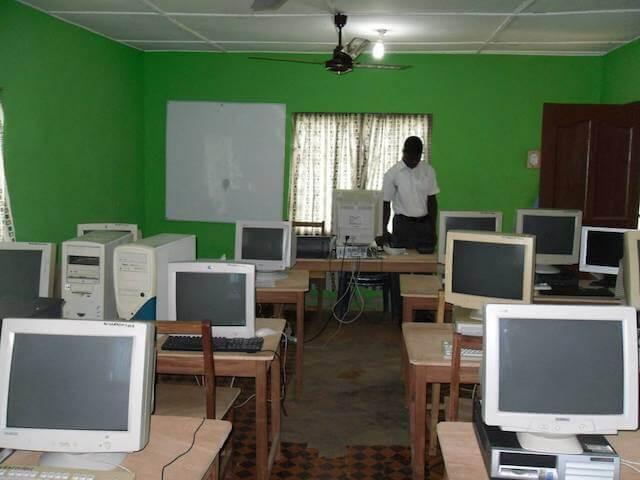 パソコン教育は小学生から