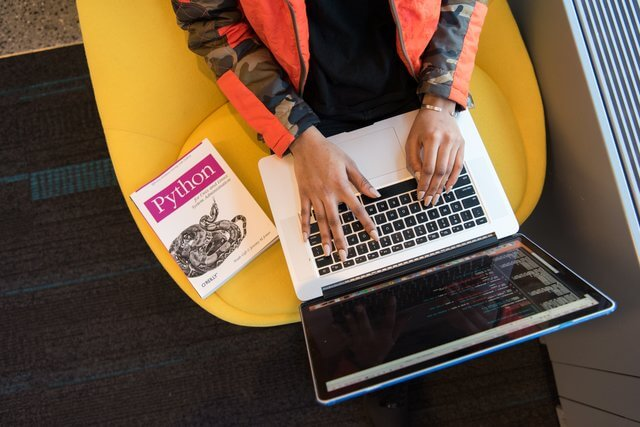 【初心者必見!】ウェブデザイン、プログラミング学習に必須の教科書&辞書サイト!