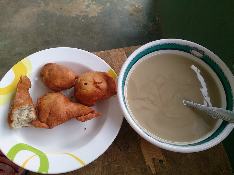 ガーナの朝食ココ!