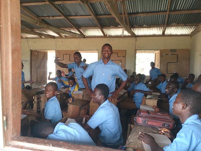 ガーナの職業訓練校の生徒たち